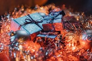 Разпространете празничния дух и спечелете прекрасни подаръци