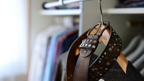 Предимства и недостатъци на вградените гардероби