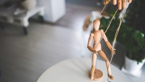 10 неща, с които мъжете ни манипулират