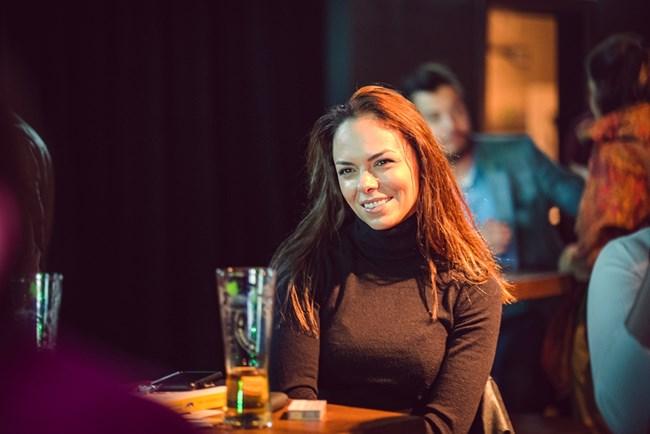 Очарователната актриса Йоана Темелкова, която дойде заедно със съпруга си - актьора Мартин Гяуров, призна, че книгата е предизвикала голямо вълнение в морето й