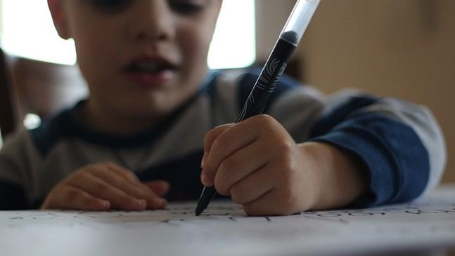 Децата пишат, четат и смятат по-лошо, ако живеят сред мръсен въздух
