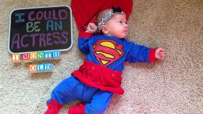 Това бебе може да бъде всичко, което пожелае, благодарение на снимките на мама