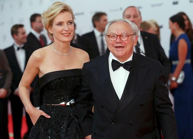 Синът Хуберт Бурда, оглавяващ издателския гигант днес, със съпругата си - актрисата Мария Фуртвенглер.  СНИМКА: РОЙТЕРС