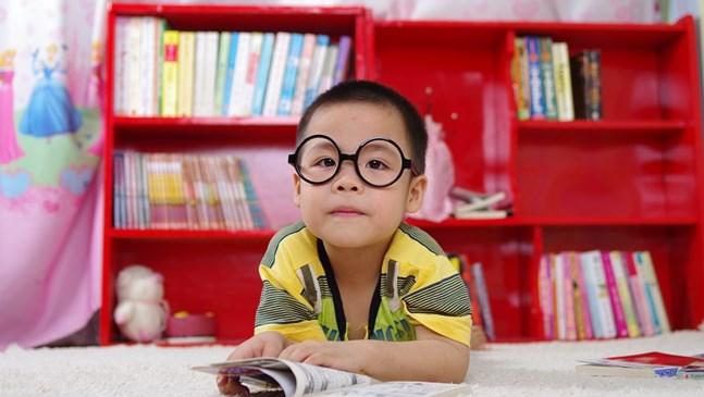 Кога да започна да уча детето да чете