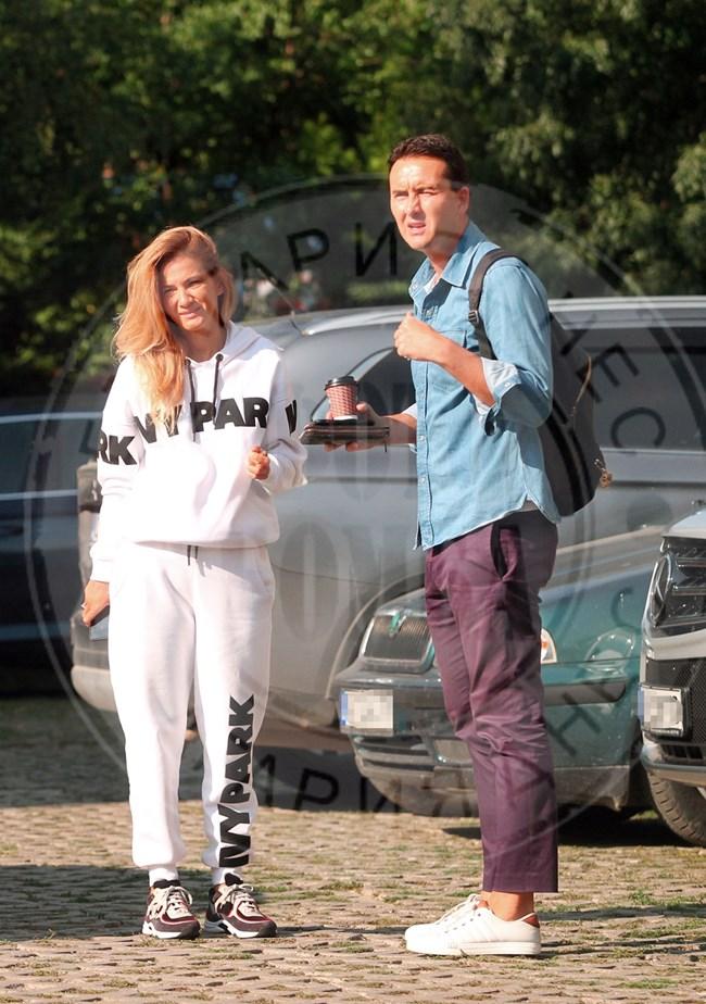 Зизу и годеникът й Стоян Балевски на един от първите прегледи