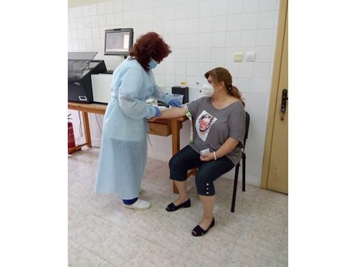 Община Несебър превантивно тества 200 души за COVID 19