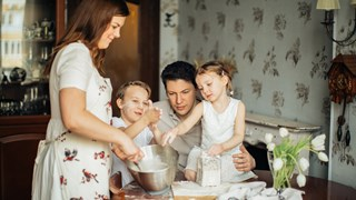 От безсъние до глад за сладко - странните неща, които наследяваме от родителите си