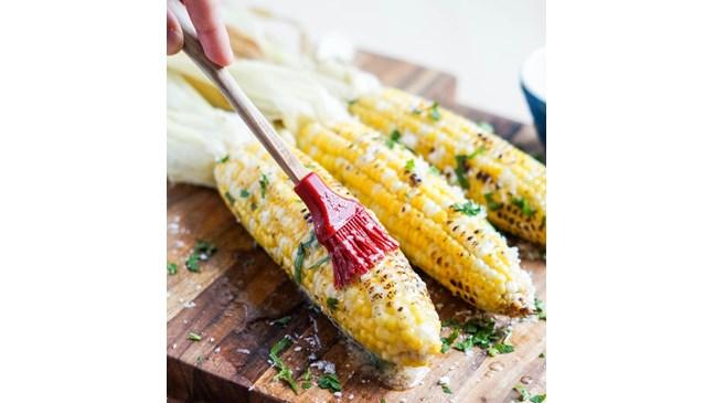 Апетитна печена царевица с пармезан