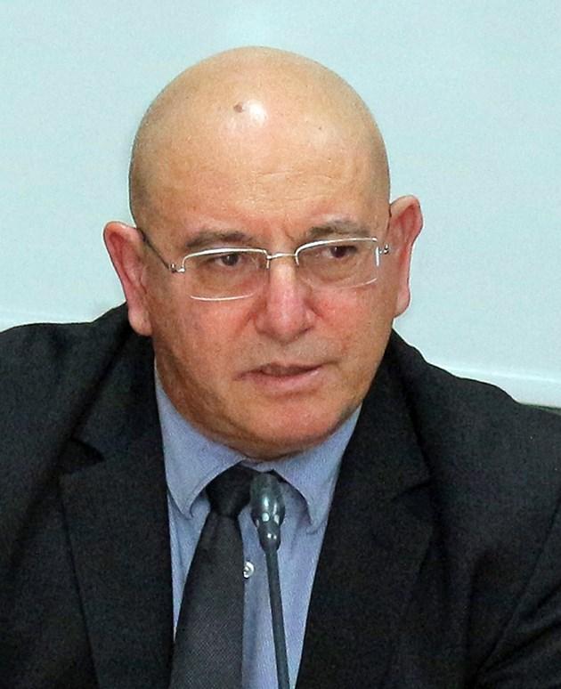 Емил Димитров: Ще поискаме отлагане на регистрацията на кладенците