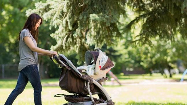 Първи разходки с бебето
