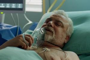 Героят на Пенев - проф. Цонев, се бори с коронавируса  в  лекарския сериал на Нова тв.