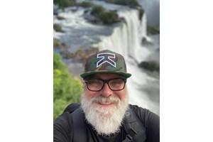 Пенев, който е заклет пътешественик, на водопада Игуасу в Южна Америка в началото на 2020 г.