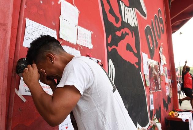 Аржентина обяви 3 дни траур за Марадона (Галерия)