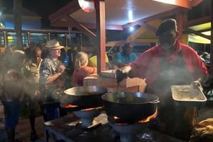Рибният пазар на Ойстин в петък вечер