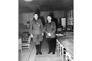 Адолф Хитлер и Ото Скорцени - оригинал