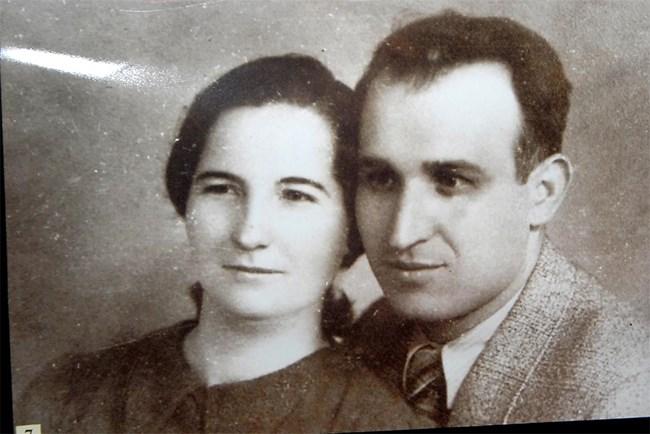 Тодор Живков с жена си Мара Малеева на млади години.
