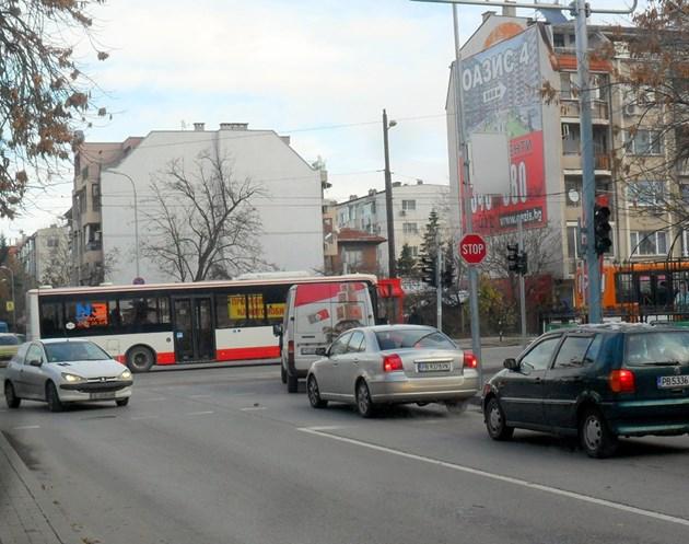 За първи път в Пловдив: Нощни ремонти по искане на кмета Здравко Димитров