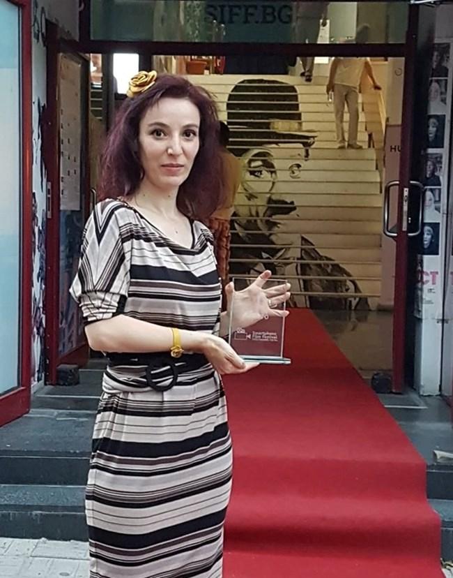 Хара Нурин с първата награда на късометражната лента