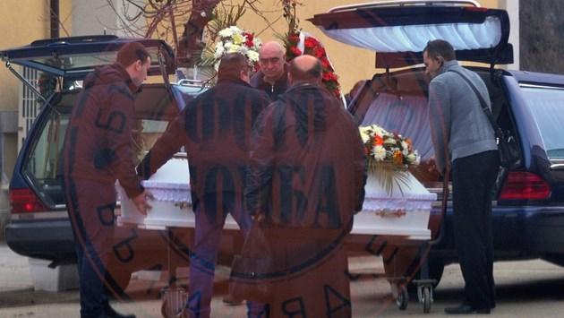 Шесторното убийство заради съкровище (Фотогалерия от погребението на Неделчо и Георги)