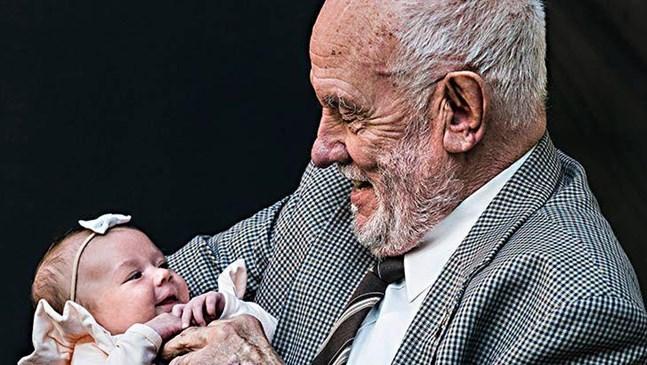 Мъжът, който спаси 2 млн. бебета