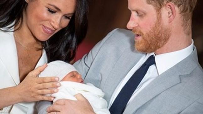 Меган и принц Хари наеха трета поред бавачка за малкия Арчи само за 3 месеца