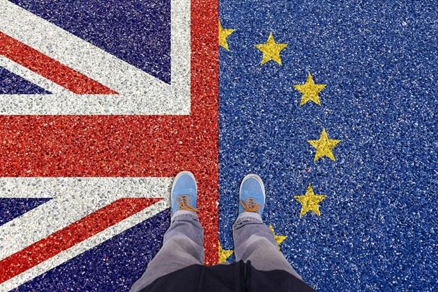 Търговското споразумение за периода след Брекзит стана закон