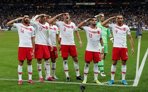 Турците козируват за агресията