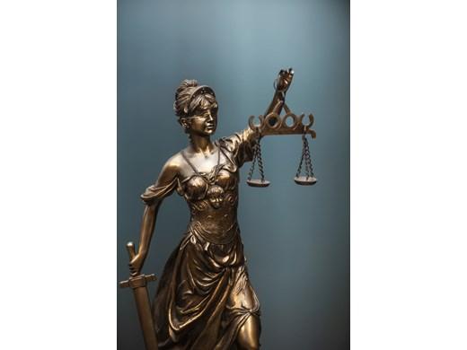 Съд отказа да отмени постоянния арест на обвинен за грабеж във Варна