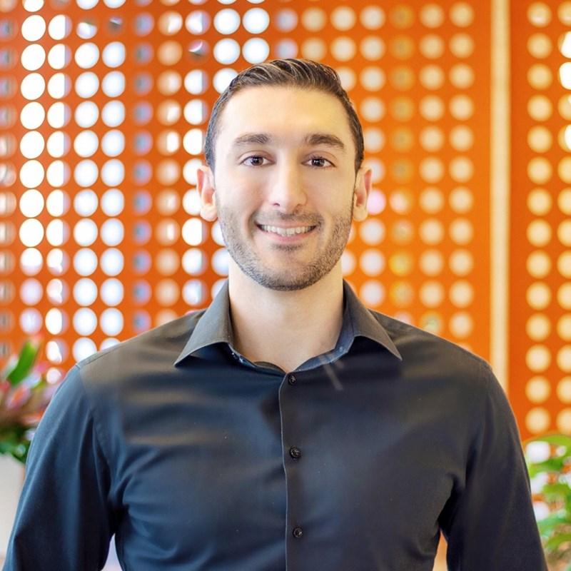 Д-р Камерън Сепа, психиатър от Калифорнийския университет в Сан Франциско