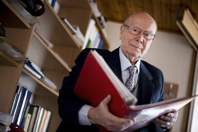 Професор Йежи Лукашяк, доктор по фармацевтични науки