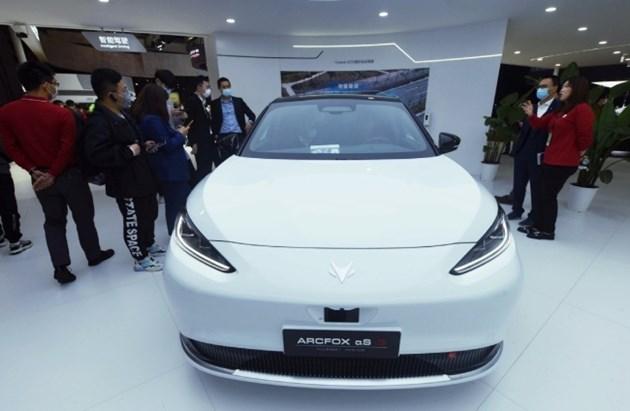 Технологичните компании привличат внимание на автоизложението в Шанхай