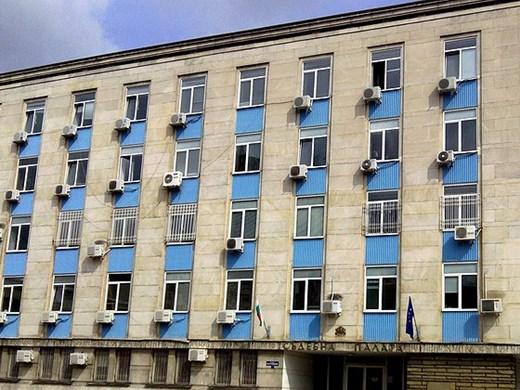 Условна присъда и глоба за инспектор от РЗИ - Габрово взимал подкупи