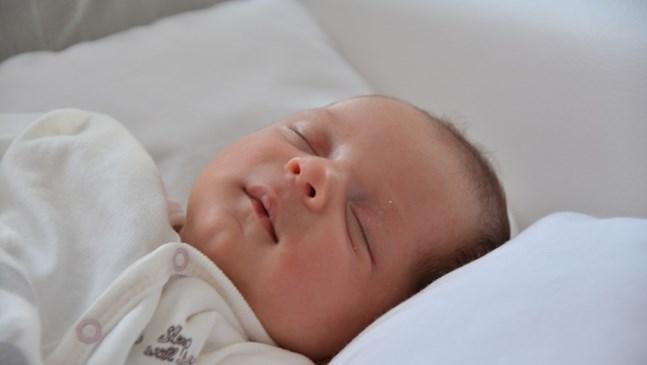 Как детето да спи спокойно в горещите нощи