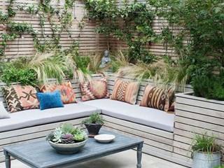 Удобства от палети в градината