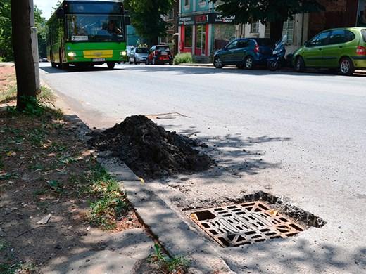 През уикенда ще чистят шахти на вътрешноквартални улици в София