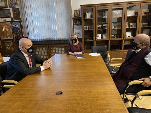 Иван Гешев се срещна с Тома Томов, дядо на убитото в Мездра дете