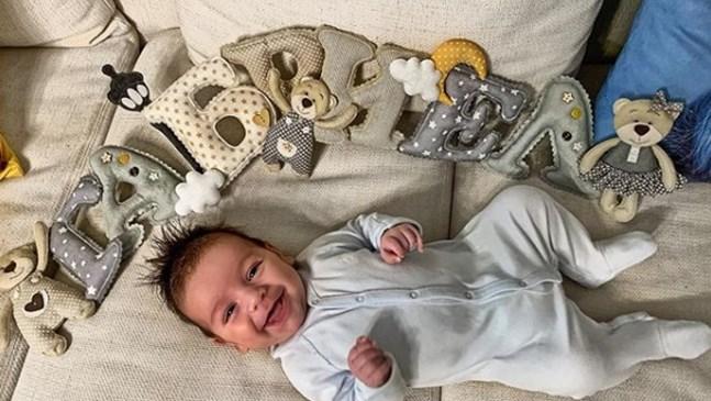 6-месечният син на Александра и Даниел Петканови е най-малкият инфлуенсър в България (Снимки)