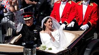 Хари и Меган обикалят Уиндзор след сватбата си в каляска (Снимки)