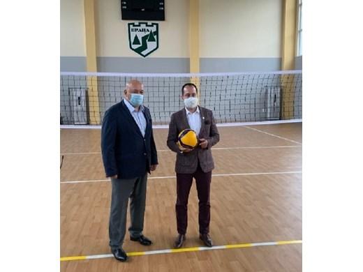 Спортния министър Красен Кралев откри волейболна зала във Враца