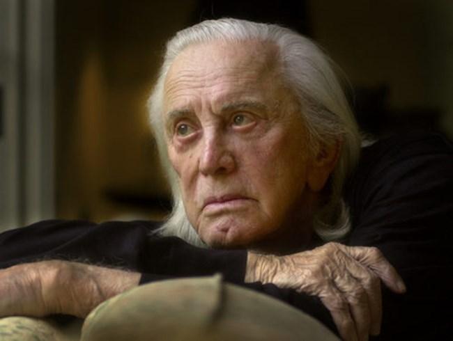 """През 1989 г. Кърк Дъглас издава автобиографията си """"The Ragman's Son"""", която постига изключителни успехи. След доброто начало актьорът продължава да пише като издава """"Dance with the Devil"""" (1990), """"The Gift"""" (1992), както и """"Climbing the Moutain: My Search for Meaning"""" (1997)."""
