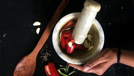Да отгледаме люти чушлета на прозореца (+рецепта)