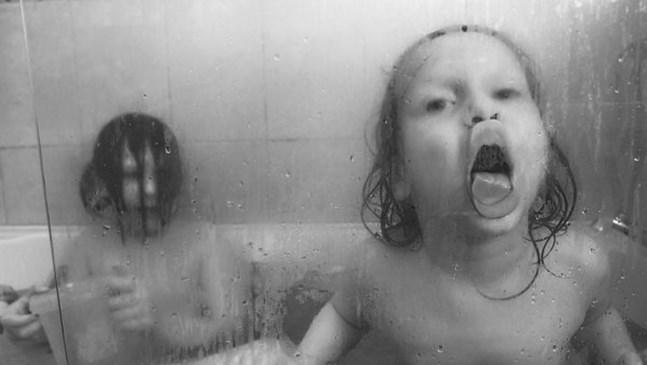 Невероятните снимки на този баща запечатват магията на всекидневието с деца