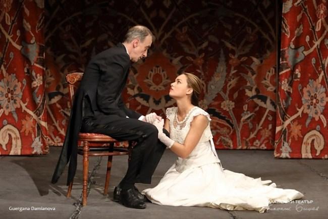 """""""Иванов"""" от Чехов е режисиран от Стефан Мавродиев в Младежкия театър."""