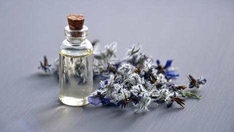 Етерични масла, които балансират хормоните