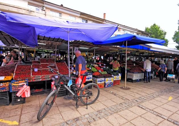 Купуваме с 36% по-скъпи краставици, олиото с най-висока цена в Бургас и Ямбол