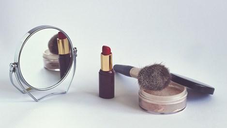 Какво да правим с козметичните продукти след лятото