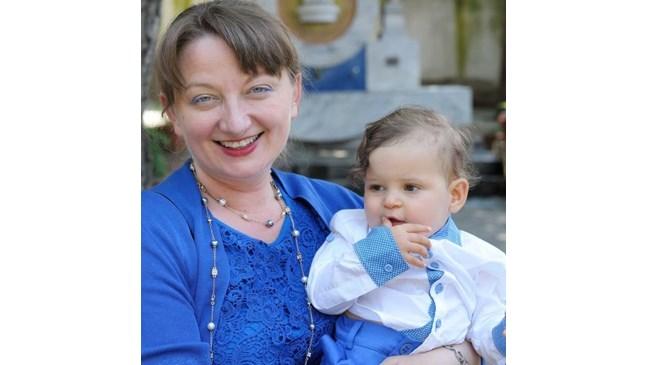 Деница Сачева винаги е знаела, че ще осинови дете, защото не кръвта, а любовта свързва хората