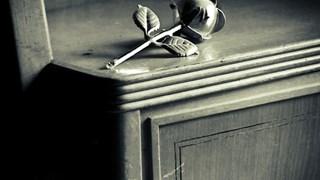 Как да прикрием драскотини върху мебелите