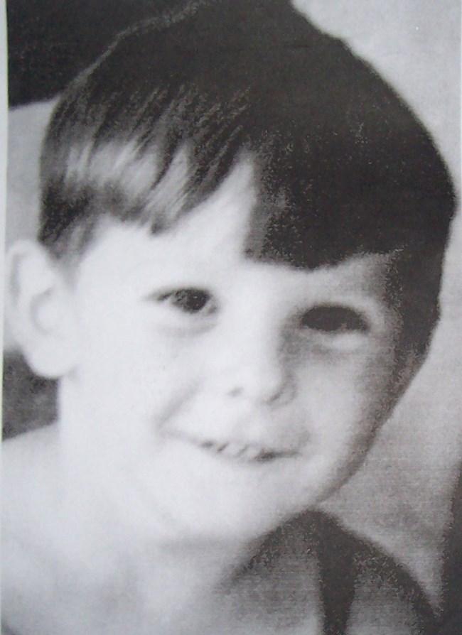 Сергей Станишев като усмихнато безгрижно момче, което пази позитивизма си и до днес.
