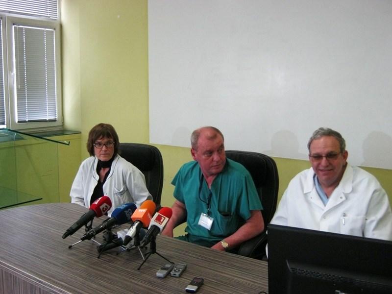 """Проф. Гаврилова, д-р Стоилов и проф. Поромански разказват как лекуват 5-годишния Александър, който беше докаран със самолет в """"Пирогов"""" по искане на премиера Борисов."""